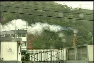 Crematório de lixo hospitalar é desativado em Nova Friburgo, RJ - Incineradora descumpria as determinações do Inea.Moradores da vizinhança reclamavam da fumaça.