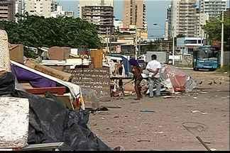 Vídeo flagra rotina de cracolândia em Vila Velha, ES - A pedido de moradores, reportagem acompanhou o problema da região.Prefeitura informou que tem um trabalho com os dependentes químicos.