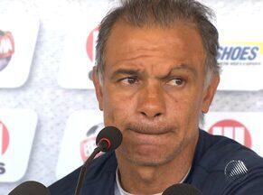 Tragédia com torcedor na Bolívia emociona técnico Jorginho - Incidente no jogo do Corinthians pela Libertadores da América fez com que treinador do Bahia se lembrasse do dia mais triste da vida dele.