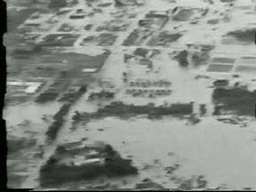 30 anos da enchente de união da Vitória (parte 1) - O Meu Paraná relembra uma das maiores tragédias do nosso estado. Em 1983, União da Vitória ficou praticamente debaixo d'água depois das chuvas que fizeram o Rio Iguaçu transbordar.
