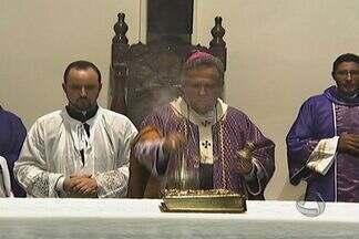 Católicos em Campo Grande rezam por novo Papa - Católicos lotam igrejas para rezar por um novo Papa. Em Campo Grande, a missa de Ação de Graças foi celebrada pelo arcebispo Dom Dimas Barbosa.