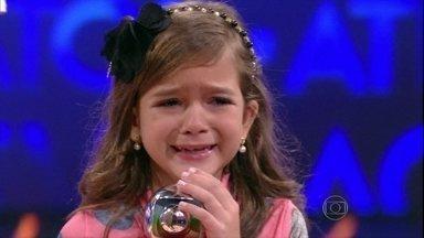Mel Maia chora ao receber troféu de melhor Atriz Mirim - Ela concorreu com Ana Karolina Lannes e Luís Felipe Mello