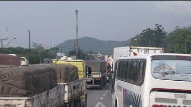 Safra de grãos piora trânsito na Cônego Domênico Rangoni - Congestionamento chegou a ter filas de 22 quilômetros