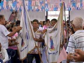 Tradicional Festa de Nossa Senhora da Guia, em Várzea Grande - Centenas de católicos acordaram bem cedo para prestar homenagens.
