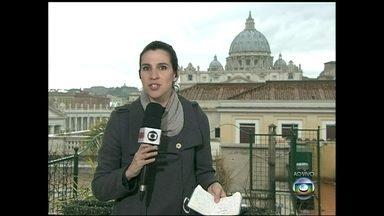 Cardeais se reúnem para conclave que escolherá o novo Papa - Fieis aguardam ansiosamente a escolha do novo líder católico