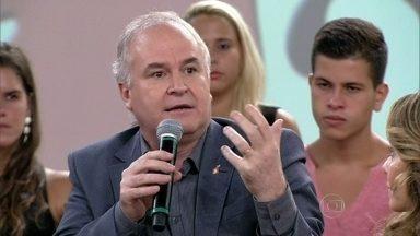 Reinaldo Domingos fez implante há dois anos - Ele conta que as crianças se aproximaram dele depois da cirurgia