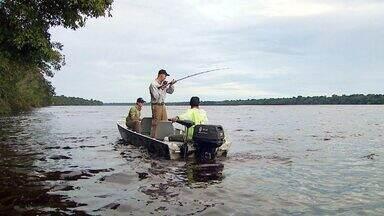 Terra da Gente - Barcelos Tucunarés - Bloco 2 - O Terra da Gente leva os telespectadores de carona até o Rio Negro, no estado do Amazonas. Na casa dos tucunarés a aventura é garantida. No meio da floresta a emoção fica por conta da pesca com o fly, com um show de esportividade.