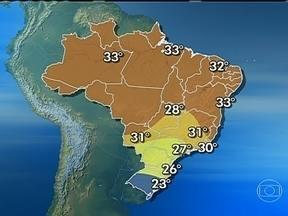 Confira a previsão do tempo para todo o Brasil neste sábado (16) - Nuvens carregadas se espalham pelo Brasil e pode chover entre o leste de Santa Catarina, Sáo Paulo e Mato Grosso do Sul. O tempo dev eicar firme no extremo Sul do pa[is, em parte de Minas Gerais e da Bahia e em parte do litoral do Nordeste.
