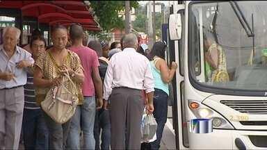 Passagem de ônibus fica 14,3% mais cara e vai a R$ 3,20 em Jacareí - A tarifa do transporte coletivo em Jacareí vai passar de R$ 2,80 para R$ 3,20 a partir do próximo domingo, dia 24 de março. A alta, de 14,3%, torna o valor da passagem mais caro do que praticado na capital paulista - R$ 3.