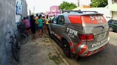Moradora de rua é morta na frente dos filhos - Crime ocorreu no bairro Rodolfo Teófilo