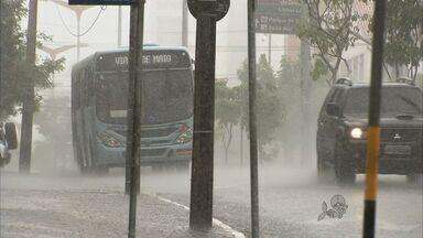 Chuva provocou morte na estrada - Motorista derrapou na pista molhada e morreu em acidente