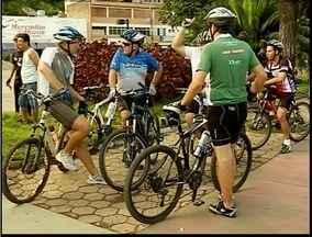 Passeio ciclistico é realizado em Timóteo em comemoração a Semana da Água - Tranquilidade e consciência ambiental em passeio pelas ruas de Timóteo (MG).