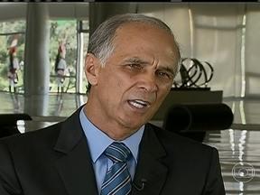 Antônio Andrade assume o Ministério da Agricultura - Tomou posse, no sábado (16), o novo ministro da Agricultura, Antônio Andrade. Ele é natural de Patos de Minas (MG). Formado em engenharia civil, o novo ministro também é produtor de leite.