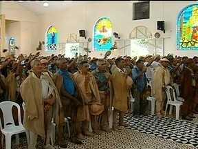 Vaqueiros do Piauí se reúnem para comemorar o dia dedicado a profissão - A Igreja de São José é o local onde começam os festejos. Durante a missa eles apresentam ofertas e orações pedindo chuva. Logo após, uma tradicional procissão marca a comemoração.