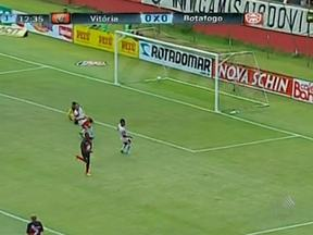Vitória faz 3x1 no Botafogo e lidera o grupo pelo Campeonato Baiano - O rubro-negro não teve dificuldades para bater, dentro de casa, o adversário.