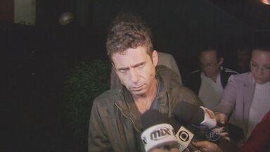 Cantor Hudson foi preso pela segunda vez em menos de 16 horas - O cantor sertanejo Hudson foi preso pela segunda vez em menos de 16 horas. Hudson está numa cela da Delegacia Seccional de Limeira (SP) para onde foi levado no final da madrugada desta quinta-feira (21).