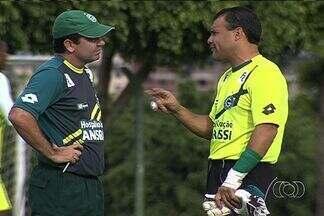 Sem Harlei, Goiás encara o Rio Verde no Velosão - Goleiro será poupado, e Renan entrará na equipe. Rodrigo e William Matheus também estão fora.