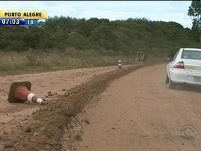Obra de pavimentação estea parada desde janeiro na Campanha gaúcha - Empresa saiu de recesso antes do natal e ainda não retomou os trabalhos.