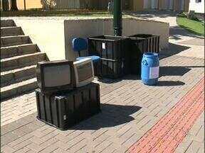 Campanhas recolhem lixo eletrônico em Pato Branco e Francisco Beltrão - Podem ser entregues aparelhos de televisão velho, computadores, rádios e utensílios de cozinha