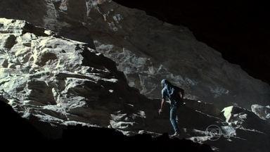 Flor do Caribe - capítulo de sexta-feira, dia 22/03/2013, na íntegra - Cassiano fica preso em um desabamento na mina