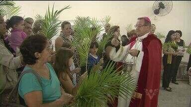 Domingo de Ramos reuniu centenas de pessoas em igreja de Santos - Semana de Páscoa tem programação até o próximo domingo (31)