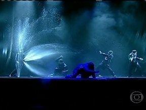 Festival de Teatro de Curitiba tem mais de 400 shows em 13 dias de evento - A grandiosidade do Festival de Teatro de Curitiba, que abre nesta quarta-feira (27), mede-se não só pelo número de apresentações, sendo 400 realizadas em 13 dias. Espetáculo de estreia usa 15 mil litros de água em cena.