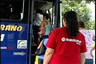 Ônibus intermunicipal não oferece conforto aos passageiros, em Goiás - O ônibus intermunicipal que faz a linha entreTrês Ranchos e Ouvidor a Catalão, não oferece conforto aos passageiros. Até o Ministério Público entrou no caso pra tentar resolver a questão.