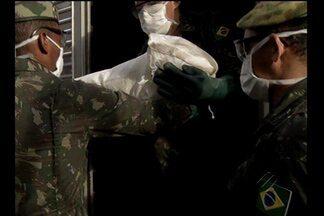 Exército e polícia apreendem material explosivo dentro de uma casa em Belém - Exército e polícia apreendem material explosivo dentro de uma casa em Belém