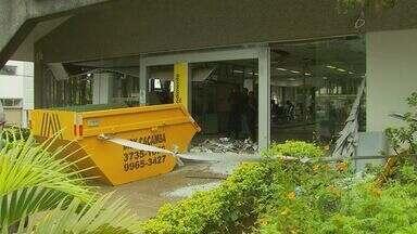 Caixa eletrônico é explodido em agência bancária de Caldas - Caixa eletrônico é explodido em agência bancária de Caldas