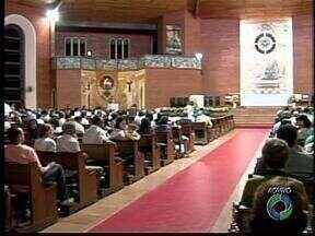 Programação para a semana santa tem missas e celebrações em Paranavaí e Umuarama - Nesta quarta-feira é celebrada a missa dos santos óleos, na catedral de Umuarama.