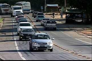 Mudanças no trânsito no ES prometem evitar congestionamentos no feriado - Dois semáforos da BR-101 serão reprogramados.