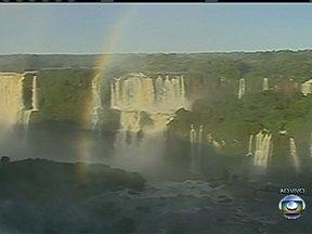 Cataratas do Iguaçu devem receber milhares de visitantes esta sexta (29) - A Sexta-feira Santa costuma ser o feriado de maior movimento no ano nas Cataratas do Iguaçu. O parque abrirá às 8h e só fechará às 17h. São esperadas 25 mil pessoas no local.