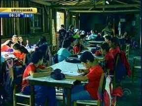 Problemas estruturais comprometem estudos de estudantes em Montenegro, RS - Escola foi interditada pelos Bombeiros.