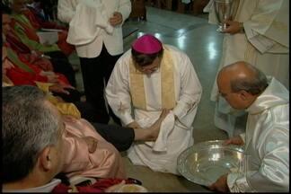 Catedral Sant'Ana em Mogi tem missa de Lavapés - A tradição da igreja católica é a missa de Lavapés que foi celebrada nesta quinta-feira (29) na Catedral Sant'Ana. O bispo bispo Dom Pedro Luiz Stringhini comanda a Adoração da Cruz.