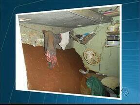 Presos cavam buraco em cela de delegacia de Tibagi - A tentativa de fuga foi descoberta por um investigador.