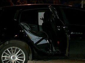 Polícia ainda não tem suspeitos do assassinato de professora - Christiane Mattos, de 36 anos, foi encontrada morta dentro do carro no estacionamento nove do Parque da Cidade. De acordo com a perícia, ela morreu enforcada e havia marcas de luta.