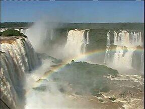 Parque Nacional do Iguaçu bate o recorde de visitação em um único dia - Quase 14 mil pessoas estiveram no parque conhecendo as Cataratas.