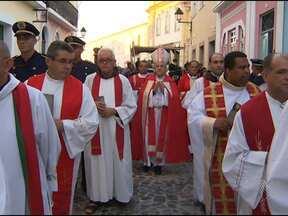 Católicos se reúnem no Centro Histórico para relembrar sofrimento de Jesus - Esta sexta-feira é dia de lembrar o sacrifício de Jesus Cristo na Via Sacra e para adorar a cruz.