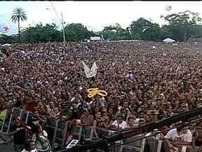 Celebração da Sexta-feira da Paixão tem muita música no Rio de Janeiro - Encontro de música gospel reúne multidão na Quinta da Boa Vista Quase 30 artistas se revezaram no palco montado na Quinta da Boa Vista. Os fãs foram preparados para assistir cerca de oito horas de show.