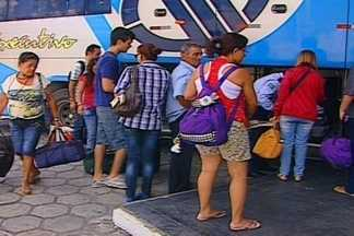 Movimentação tranquila, no terminal de passageiros de Campina Grande - Quem resolveu viajar nesse feriadão, não enfrentou problemas. O movimento no terminal de passageiros foi tranquilo.