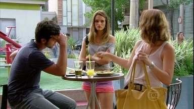 Malhação - Capítulo de quinta-feira, dia 04/04/2013, na íntegra - Elisa provoca Fatinha, que dá bronca em Bruno