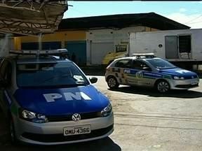 Força tarefa investiga assassinatos de moradores de rua em Goiânia - Uma força tarefa da Secretaria Nacional de Direitos Humanos está em Goiânia para acompanhar a investigação de uma série de assassinatos de moradores de ruas. Em oito meses, 27 pessoas foram assassinadas.