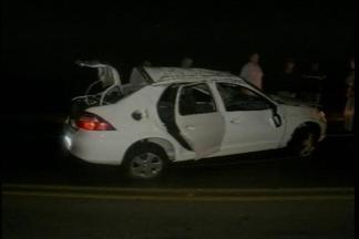 Dois homens morreram em um acidente de trânsito em Passo Fundo - O carro em que eles estavam capotou na BR 285 nesta manhã
