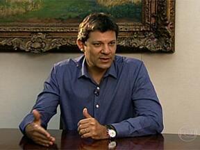 Fernando Haddad faz balanço do mandato, que completa cem dias nesta quarta-feira (10) - Em entrevista ao G1, o portal de notícias da Globo, o prefeito de São Paulo, Fernando Haddad, fez um balanço do início de gestão e falou de temas abordados durante a campanha eleitoral.