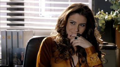 Helô avisa a Lucimar que ninguém pode saber sobre Morena - Lívia conta para Wanda sobre barraco com Lucimar. A traficante sugere que a chefe elimine a diarista. Lívia avisa que vai se vingar de Théo