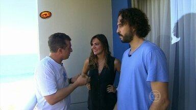 Luciano convida Gabriel e Carol Sampaio para ajudar no Mandando Bem - Os dois avaliam o trabalho de Janaína como promoter