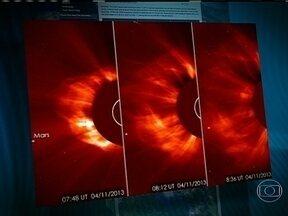 Explosão solar deve provocar reflexos na Terra na madrugada de domingo - A explosão, ocorrida na quinta-feira, liberou bilhões de partículas solares no espaço. Elas viajam a quase mil quilômetros por segundo em direção ao nosso planeta. A tempestade pode afetar os sistemas de telecomunicações.