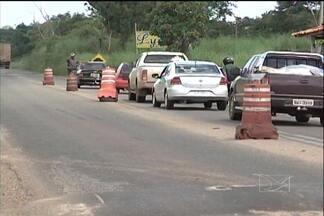 Polícia Militar intensifica a fiscalização nas barreiras para coibir o tráfico de drogas - A Polícia Militar intensifica a fiscalização nas barreiras para coibir o tráfico de drogas e a entrada de armas, em Imperatriz.
