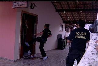 PF prende suspeito de chefiar quadrilha de compras virtuais ilegais em Araruama, RJ - Outras 11 pessoas foram presas. Funcionários dos Correios estão envolvidos; prejuízo é de R$ 3 milhões.