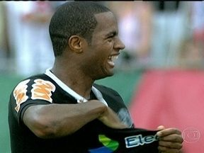 Relembre a trajetória de Dedé no Vasco - No time da Colina foram 160 jogos, 19 gols, conquistou a Copa do Brasil e virou ídolo da torcida.